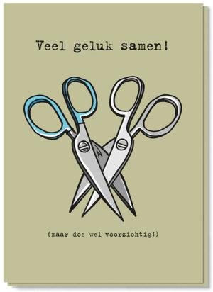 Voorkant gay kaart met daarop twee scharen in elkaar en de tekst 'Veel geluk samen! (maar doe wel voorzichtig!)