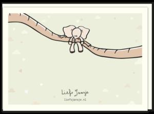 Achterkant geboortekaartje olifantje met een illustratie van een klein olifantje die gedragen wordt door de slurven van zijn ouders.