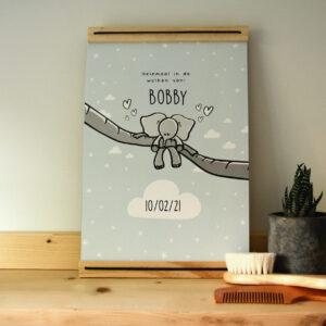 A4 poster met lijst waar je de naam en geboorte datum van het kindje op kunt zetten. Deze poster is met een olifantje