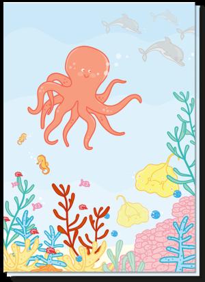 Wenskaart kinderen met daarop de oceaan met een grote vrolijke inktvis, roggen, dolfijnen en kleine visjes